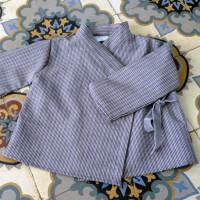 Cache coeur Kimono gris à fines rayures