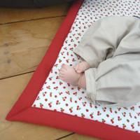 Petit tapis d'éveil panier de cerises